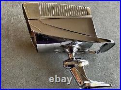 (1) Vintage 1950's 1960's NuVue THE SENTRY Spotlight Mirror