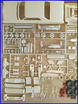 SUPER RARE ORIGINAL AMT ANNUAL 1964 PONTIAC GRAND PRIX Model Kit, GORGEOUS