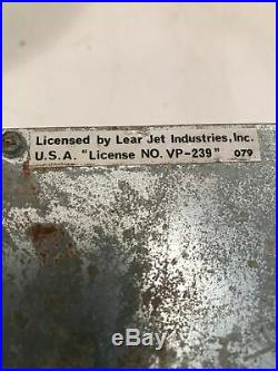Working! LEAR JET Automatic Radio Stereo Deluxe AM FM 8 Track tape player OEM